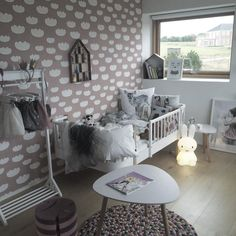 http://www.fermliving.com/webshop/shop/kids-room/kids-wallpaper/cloud-wallpaper-rose.aspx