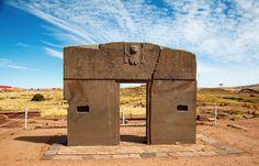 2 – Porta do Sol, Bolívia - Com quase 3 metros de altura, essa obra é conhecida mundialmente como exemplo de perfeição alcançado pelo povo pré-colombiano no continente sul-americano. Acredita-se que a Porta do Sol era um complexo calendário astronómico .