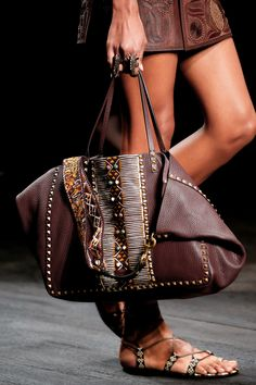 Valentino Spring 2016 Ready-to-Wear Accessories Photos - Vogue http://rskfashion.co.uk