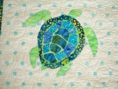 baby quilts turtles | close up of our applique (hand AND machine) turtle friend!