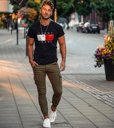 Men's Street Style 12 + Best Men Street Style - Fashion Looks 2019 Stylish Mens Outfits, Casual Outfits, Men Casual, Fashion Outfits, Overalls Fashion, Classy Casual, Casual Attire, Classy Style, Blazer Fashion
