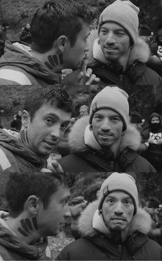 """Look at somebody, like Josh looks at Tyler"" Joshua William Dun, Joshua Dun, Twenty One Pilots Aesthetic, Twenty One Pilot Memes, Twenty One Pilots Wallpaper, Tyler Joseph Josh Dun, Ohio, Emo Bands, Staying Alive"