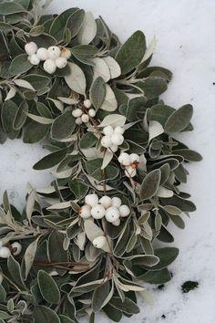 Gorgeous white berry wreath