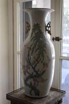 Buena Vista Collection: Chinese Urn Pair