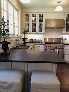 Replacing kitchen countertops - 32 Small Kitchen Countertops to Upgrade your Home – Replacing kitchen countertops White Cabinets White Countertops, White Kitchen Cabinets, Kitchen Cabinetry, Diy Kitchen, Kitchen Decor, Kitchen Ideas, Petite Kitchen, 10x10 Kitchen, Kitchen Small