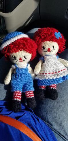 Crochet Raggedy Ann & Andy doll. Nelly pattern by Laura Tegg