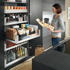 Kitchen design trends change year on year so discover all of the 2018 Australian kitchen trends you need to know here, from new tapware colours to storage hacks and more! Open Plan Kitchen, Kitchen Pantry, New Kitchen, Kitchen Storage, Cabinet Storage, Pantry Storage, Modern Kitchen Design, Interior Design Kitchen, Home Decor Kitchen