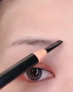 Eyebrow Makeup Tips, Makeup Eye Looks, Eye Makeup Steps, Eye Makeup Brushes, Makeup Videos, Skin Makeup, Eyeshadow Makeup, Makeup Art, Easy Makeup