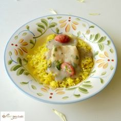 Saas ni Macchi is a unique white Parsi-style fish curry, best served ladled over Basmati rice Khichri.