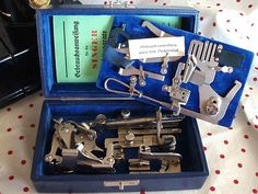 SINGER Boxed Attachments Set ~ Blue Velvet-Lined