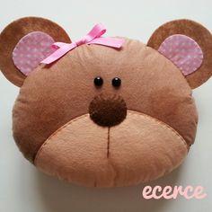 ecerce dükkan: YASTIK-KIRLENT-TAKI YASTIĞI Crochet Cushions, Sewing Pillows, Diy Pillows, Fabric Toys, Handmade Pillows, Animal Pillows, Bed Design, Dog Toys, Decoupage