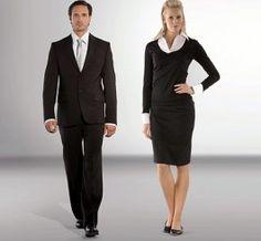 Millaiset vaatteet sopivat parhaiten toimistotyöhön?