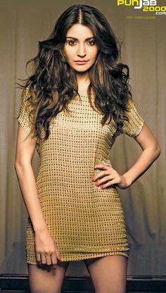 5 sensational fashion perfect moments of Anushka Sharma Indian Bollywood, Bollywood Stars, Bollywood Fashion, Anushka Sharma, Priyanka Chopra, Indian Celebrities, Bollywood Celebrities, Virat And Anushka, Bollywood Actress Hot Photos