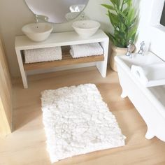 Image of Faux sheepskin rugs and bath mats