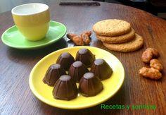 Bombones de chocolate rellenos de Tofee y almendras garrapiñadas y de Nocilla y galletas. http://recetasysonrisas.blogspot.com.es/2013/09/bombones-de-chocolate-rellenos.html #food # récipes # chocolat # bombones # confectionery  # toffee # almonds # cookies