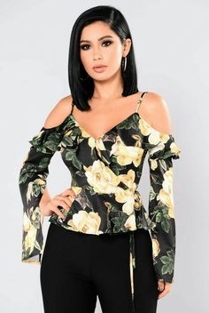 Available in Black and Red Satin Floral Print Long Sleeve Wrap Front Bell Sleeve w/Slit Polyester Cool Outfits, Casual Outfits, Fashion Outfits, Womens Fashion, Fashion Fashion, Fashion Ideas, Crop Top Designs, Modelos Fashion, Clothing Sites