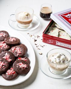 "Peppermint Bark ""Milk"" (No-Churn Ice Cream) + Cookies Candy Cane Cookies, Ice Cream Cookies, No Churn Ice Cream, Holiday Recipes, Christmas Recipes, Late Night Snacks, Vegetarian Chocolate, Cookie Desserts"