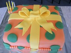 Present Cake tiersoflove.com