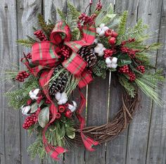 Holiday / Christmas Wreath / Grapevine Berry Wreath with