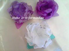 Forminhas de voil com petalas retorcidas Ref V11
