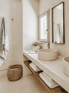 Bathroom space Phos House by Stone & Walls, Greek Islands est living Cheap Home Decor, Bathroom Inspiration, Bathroom Decor, Home Remodeling, Interior, Modern Bathroom Decor, Bathroom Interior Design, Home Decor, House Interior