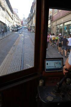 Passeio de Eléctrico no Porto © Viaje Comigo Portugal, City, Museum, Sidewalk, Porto, Cars, Traveling, Cities