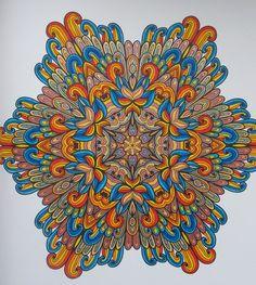 mijn 1e mandala uit het enige echte mandala kleurboek