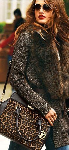 Michael Kors leopard print bag. Hello gorgeous !