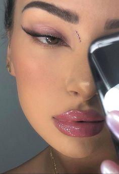 New Year's Makeup, Edgy Makeup, Makeup Eye Looks, Eye Makeup Art, Cute Makeup, Makeup Goals, Simple Makeup, Skin Makeup, Makeup Inspo