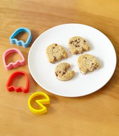 pac-man cookie cutters...hubby loves PAC man