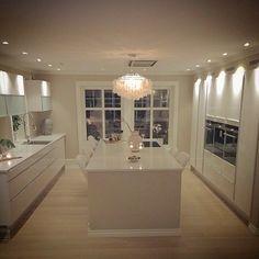 INTERIOR 123 @interior123 This kitchen is l...Instagram photo | Websta (Webstagram)