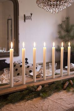 ÅRETS JULDUKNING Candle In The Wind, Candels, Tis The Season, Candlesticks, Wood Projects, Lanterns, Candle Holders, Table Settings, Christmas Ideas
