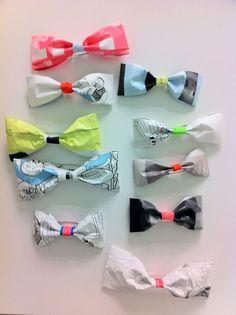 色校蝶ネクタイpaper-bows