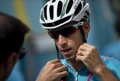 Overall leader Italy's Vincenzo Nibali gets ready to leave for a training on the second rest day of the Tour de France cycling race in Lignan-sur-Orb, southern France, Monday, July 21, 2014. (AP Photo/Peter Dejong)