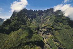 Le Gros Morne, Les Salazes et le Piton des Neiges (3070 m) classés par l'UNESCO