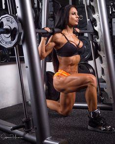 Anita Herbert - anita_herbert - The Fitness Girlz Chico Fitness, Love Fitness, Health Fitness, Fitness Inspiration, Anita Herbert, Fitness Motivation, Model Training, Ripped Girls, Muscular Women
