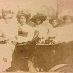 African American women pose in automobile - c.1910 snapshot