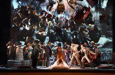 La traviata, Atto I - foto Roberto Ricci (24/10/2014)