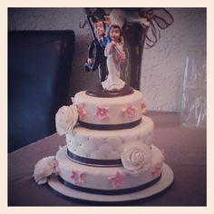 Bruidstaart afgeleverd bij bruidspaar thuis. Van Harte gefeliciteerd Samantha & Delano Cakes And More, Wedding Cakes, Desserts, Food, Pies, Sweets, Tailgate Desserts, Meal, Wedding Pie Table