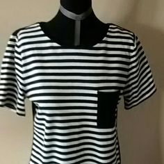 Black and white with black pocket Black and white with black pocket and solid black back Old Navy Tops