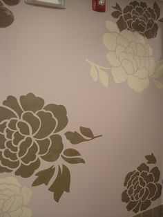 Large Flower Wall Finish Stenciled On Walls With Modern Masters Metallic  Paint | Project By Aliya