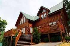 Gatlinburg is the perfect destination for Easter! Learn the top reasons why you and your family should spend Easter at cabins in Gatlinburg TN. Cabins In Gatlinburg Tn, Tennessee Cabins, Gatlinburg Vacation, Dream House Interior, Dream Home Design, Honeymoon Cabin, Pet Friendly Cabins, Smoky Mountains Cabins, Luxury Cabin