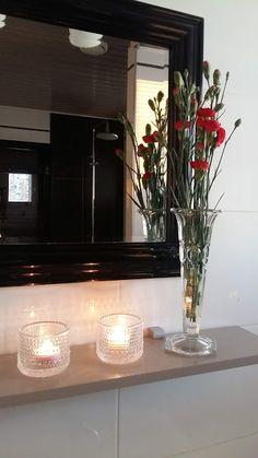 Blogipostaus kotona lomailusta. Kotoilu / Rentous / Parisuhde Decor, Framed Bathroom Mirror, Furniture, Frame, Home Decor, Mirror