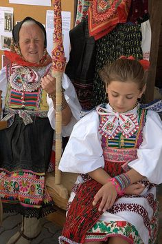 Slovakia - my mother's ancestry Ethnic Diversity, Folk Clothing, Beauty Around The World, Tribal Dress, Europe, Group Costumes, Folk Costume, World Cultures, Ethnic Fashion