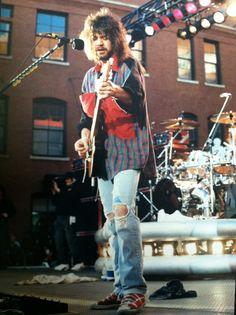 """Eddie Van Halen 1991 Dallas, TX """"free outdoor show"""". Grunge Eddie--who knew."""