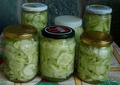 Ez a szuper trükk akár télig tartósítja neked a görögdinnyét! Veggie Recipes, Salad Recipes, Torte Cake, Hungarian Recipes, Fun Cooking, No Bake Cake, Pickles, Cucumber, Healthy Living