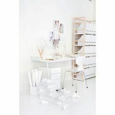 Overtime desk small, white or black. Room21