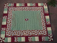 Could be any football or baseball team quilt. Quilting Projects, Quilting Designs, Football Quilt, Picnic Blanket, Outdoor Blanket, Quilted Pillow, Quilt Making, Household Items, Baby Quilts