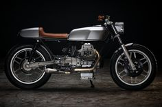 Revival Cycles Monza - Moto Guzzi V50 : Full custom exhaust, RD400 Tank and tail to match....on and on.