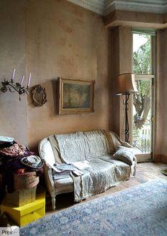 Sekalainen seurakunta erilaisia sisustuksia naistenpäivän kunniaksi. A lot of intreresting interiors. Interiors ...